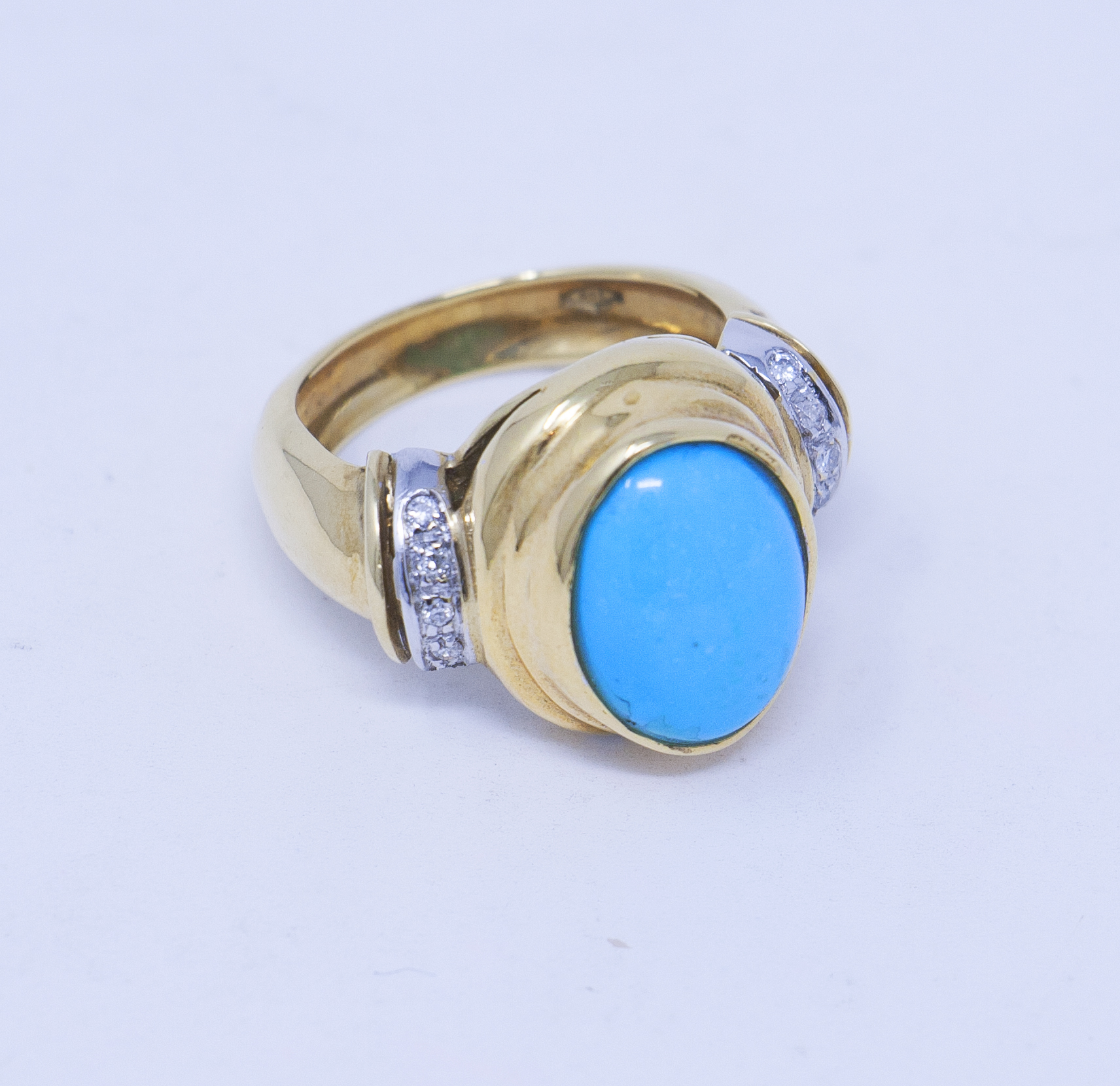1970s yellow gold Turquoise ring with diamonds